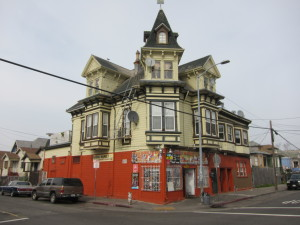 West Oakland corner market (Photo by Sharon Simonson)